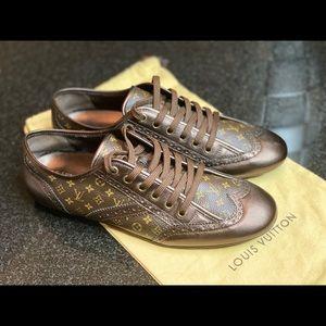 Louis Vuitton Sneakers Sz39